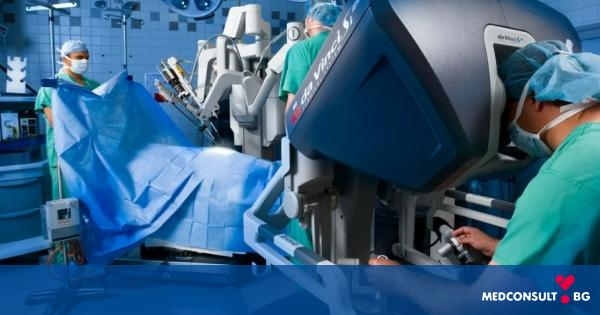 """74-годишен пациент с тумор в червата е успешно опериран с робота """"Da Vinci"""""""